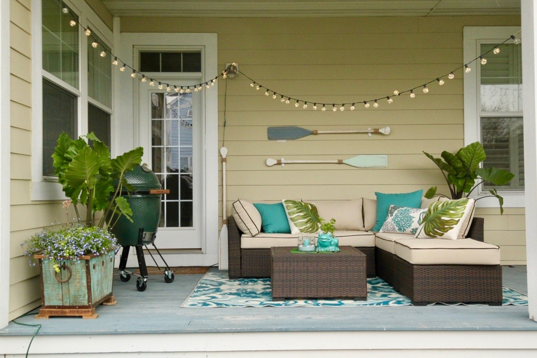 HOW TO CREATE A COASTAL CHIC OUTDOOR SPACE